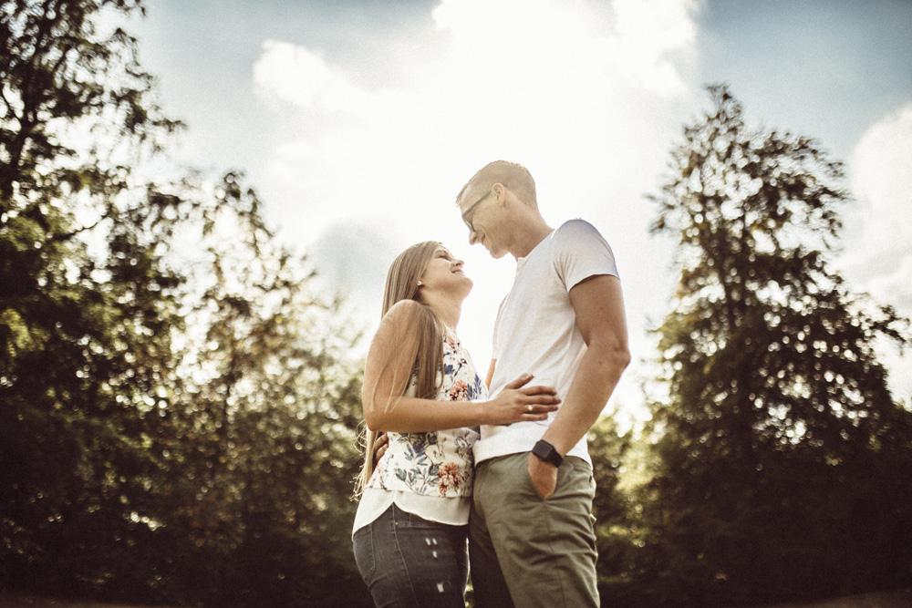 Eintritt in eine Dating-Website um 18